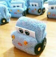Fold A Towel Car – Washcloth – Ideas of Washcloth – Fold A Towel Car – Wasche falten Baby Shower Parties, Baby Boy Shower, Baby Shower Gifts, Towel Origami, Towel Animals, How To Fold Towels, Baby Washcloth, Shower Bebe, Towel Crafts