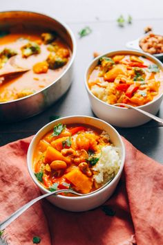 1 Pot, simple methods, SO flavorful + healthy! 1 Pot, simple methods, SO flavorful + healthy! Super Healthy Recipes, Healthy Chicken Recipes, Asian Recipes, Vegetarian Recipes, Baker Recipes, Cooking Recipes, Yellow Curry Recipe, Pumpkin Curry, Minimalist Baker