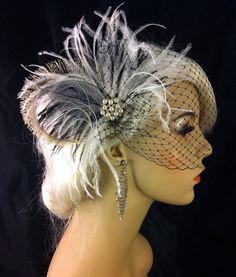 New Rock On Bridal Feather Fascinator Bridal Headpiece Wedding Veil Wedding Fascinator Feather Fascinator Black and Ivory Pearls Gatsby Headpiece, Headpiece Wedding, Wedding Veil, Wedding Gowns, Bridal Hair Fascinators, Fascinator Hairstyles, Black Fascinator, Fascinator Hats, Foto Poster