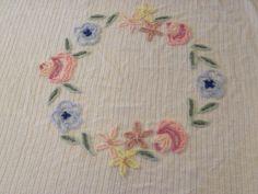 Vintage Floral Flower Circle Chenille Morgan Jones (?) Bedspread Coverlet