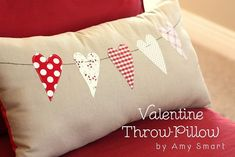 14 Valentine Pillows - Free Sewing Tutorials - FineCraftGuild.com :: heart chain