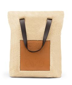 Loewe Tote Bags - SHOPPER BAG gold Discover Loewe Tote Bags products, like our SHOPPER BAG gold. Enter now.