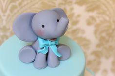 Elefantito bebé Elephant Cake Toppers, Elephant Baby Shower Cake, Elephant Cakes, Baby Shower Cakes For Boys, Elephant Birthday, Baby Boy Shower, Fondant Cake Toppers, Fondant Baby, Fondant Figures