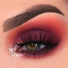 14 Shimmer Eye Makeup Ideas for Stunning Eyes Red Eyeshadow Looks Eye Eyes ideas. - 14 Shimmer Eye Makeup Ideas for Stunning Eyes Red Eyeshadow Looks Eye Eyes ideas Makeup Shimmer Stunning Makeup Eye Looks, Eye Makeup Art, Eye Makeup Tips, Cute Makeup, Makeup Goals, Gorgeous Makeup, Makeup Trends, Beauty Makeup, Makeup Ideas