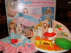 the MOPPETS SECRET DOLLHOUSE! Do you know how long I have been trying to remember what this toy was CALLED? I am so relieved.
