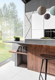 ATLAS KUCHNIE. OKTAWIA IX - Oktawia listwowa biały mat, Penelopa beton ares, Oktawia orzech amerykański. #meblekuchenne #kuchnia #białakuchnia #drewno #nowoczesnakuchnia #hokery #kamiennyblat #AtlasKuchnie #kamień #okap Orzo, Office Desk, Kitchen Design, Furniture, Home Decor, Desk Office, Decoration Home, Desk, Design Of Kitchen