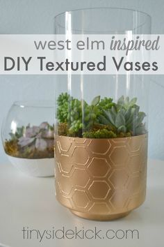 DIY Textured Glass Vases {West Elm Inspired} - I've been loving all of the textured vases that have been in home decor stores lately, so with some old vases in… Diy Painted Vases, Diy Plante, Glass Texture, Diy Projects To Try, Art Projects, West Elm, Diy Painting, Diy Tutorial, Decoration