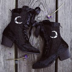 Witchy vibes with the Dame Boots! ✨ 40% off in our Black Magic SALE! #gypsywarrior