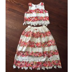 Last Chance!! Two Piece Dress By Moon Size Small