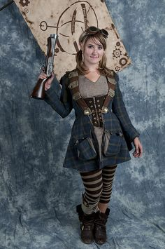 Cute steampunk. That coat is fabulous! (by Stephen Lesnik, via Flickr)