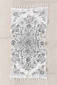 Louise Medallion Bath Towel