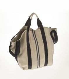 Borsa modello cubo media - borsa in tessuto fatta a mano personalizzabile con nome o lettere. Borsa capiente e resistente, ideale per la spiaggia. Disponibile in canvas, lino e jeans. 100% Made in Italy.