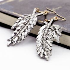 Charming Dangle Earrings With Rhinestone