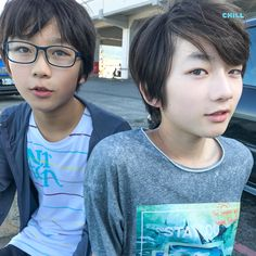 海を見に来た 2boys at the seaside