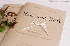 Für die kirchliche Trauung wollten wir ein richtig schönes Liedblatt, das man als Gast vielleicht auch aufheben möchte. Und unserem Motto...