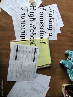 Making Homeschool High School Transcript from @thedaisyhead #hsbloggers