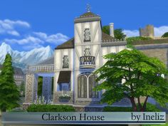The Clarkson House is a noble and aristocratic house. It was designed for young family with kids and offers two bedrooms, large kitchen/dining area, a study corner, big and cozy balcony and much...