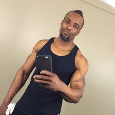 Tuesday's a wrap feeling great with a low key selfie  ... When it's tight times we here all Huslte so when you need me I'm their all muscle  lets be successful family send health and strength to you and yours #selfie #gymflow #lighting #personal #pursuit #passion #motivation #positive #inspiration #success #influence #work #play #balanced #Creative #loving #Good #Vibes #physical #mental #spiritual #Consistent #lifestyle #fit_over_40 #fitlondoners #ogfit #daringfitlife #health #strength…