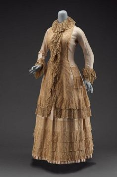 Linen and Lace Tea Gown   c. 1880s