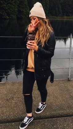 Winter Outfits For School College Style: Fashion Essentials & Outfits 27 cold weather outfits for school Church Outfit For Teens, Church Outfit Fall, Cute Church Outfits, Cute Outfits For School, College Outfits, College Style, Outfits With Vans, Casual Winter Outfits, Mode Outfits