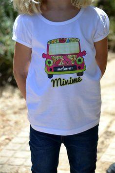 MiniMe in Print  Floral Mini Design on a White Tshirt Size 4