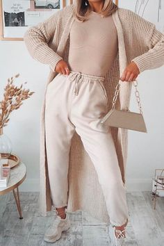 Best Cheap Loungewear Sets From Missguided 2020 Cute Casual Outfits, Stylish Outfits, Cheap Outfits, Comfortable Winter Outfits, Comfortable Fashion, Spring Look, Loungewear Outfits, Loungewear Set, Joggers Outfit