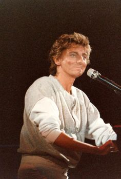 Barry Manilow during his Around The World In 80 Dates tour. The Music Man, Sound Of Music, I Write The Songs, Love Him, My Love, Barry Manilow, Music People, Music Photo, Music Icon