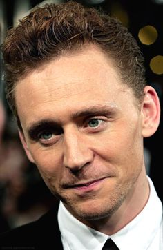 Tom Hiddleston Nice large HQ edit From http://twhyousexything.tumblr.com/post/121259590898