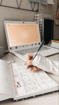 School Organization Notes, Study Organization, School Notes, Study Space, Study Desk, Study Room Decor, School Study Tips, Study Hard, Study Notes