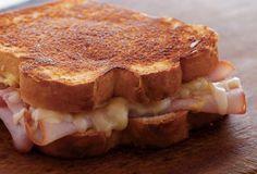 Grilled Mac and Cheese Sandwich Recipe | Leite's Culinaria