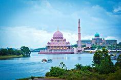 Putrajaya Mosque Malaysia | by عبد الرحيم المعلمي Abdulraheem