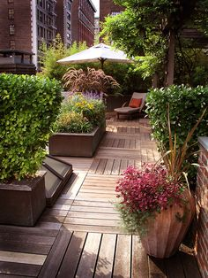 rooftop garden Swap out your old deck decor and furniture for the seasons newest picks including stylish new patio sets, fun container gardens and creative ideas to integrate privacy measures such as fencing and umbrellas.