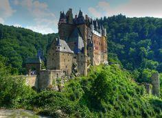 Burg_Eltz_HDR.jpg (1600×1170)