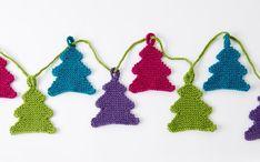 Miniature Knitted Tree Garland [FREE Knitting Pattern]