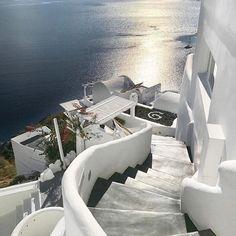 by @kukutel  Oia Town, SANTORINI island (Στην πόλη της Οίας στο νησί της Σαντορίνης των Κυκλάδων), CYCLADES islands group - GREECE #oia #santorini #greece