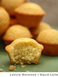 Portuguese Mini Lemon-Orange Cakes - citrusy queques served as part of breakfast - buttery, with soft insides and crispy edges Portuguese Desserts, Portuguese Recipes, Portuguese Food, Gourmet Desserts, No Bake Desserts, Alcoholic Desserts, Plated Desserts, Mini Cakes, Cupcake Cakes