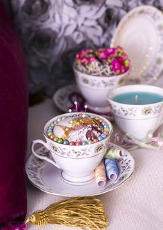 kuva Recycled Crafts, Tango, Crochet Ideas, Diy Home Decor, Tea Cups, Recycling, Craft Ideas, Embroidery, Tableware