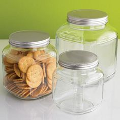 Our Glass Cracker Jars give you a generous amount of kitchen storage for a rock bottom price.  The traditional styling will remind you of a country store.  This perrenial general storage favorite features a wide mouth to accommodate a spoon or scoop, a paper lined lid to create a tight seal, and a large capacity.  Line up several on the counter or in the pantry for all your bulk food storage needs - rice, coffee, tea, beans, pasta and cereals.