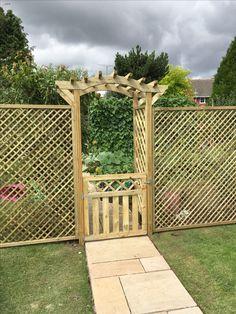 Garden Pergola Arch with Lattice Trellis