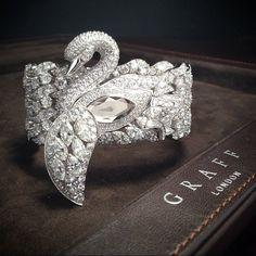 good idea, needs more delicate treatment...Graff - Gorgeous Diamond Swan (=)