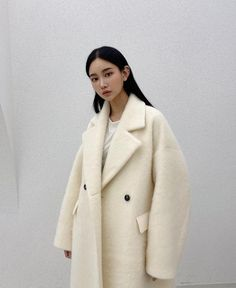 Follow our Pinterest Zaza_muse for more similar pictures :) Instagram: @zaza.muse   Women's coat. Women's fashion. Style inspiration. Oversized ivory coat. Pic: thefrankieshop Coat Dress, Jacket Dress, Runway Fashion, Womens Fashion, Romper Pants, Blouse Outfit, Fall Winter Outfits, Winter White, Tank Top Shirt