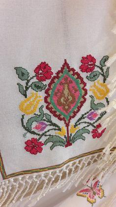 Tambour Embroidery, Embroidery Stitches, Embroidery Designs, Modern Cross Stitch, Cross Stitch Patterns, Vintage Cross Stitches, Retro Illustration, Cross Stitching, Blackwork