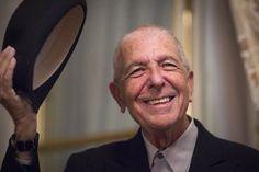 """A 77 ans, Leonard Cohen s'offre """"la permission de chanter le blues"""""""