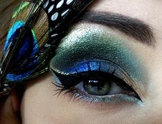 Peacock eye makeup.