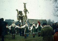 Celebrations of Topienie Marzanny (Drowning of Marzanna) in the region of Kurpie Białe, Poland, Photo © Tomasz Krzywicki, via Wirtualny skansen. Ritual Dance, Star Goddess, Family Roots, Effigy, Dark Fantasy Art, My Heritage, Witchcraft, Pagan, Folk