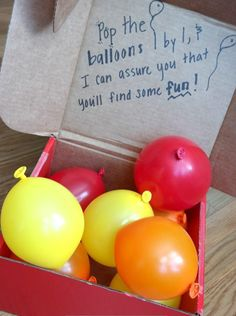 Ballonnen met geld als trouwcadeau Friend Valentine Gifts, Gifts For Friends, Valentines Day, Balloon Gift, Surprise Box, Candy Boxes, Thank You Gifts, Projects To Try, Diy Gifts