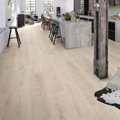 Meister Lindura White Washed Oak Brushed & Oiled x Wood Flooring A fantastic White Oak engineered wood flooring. White Washed Floors, White Washed Oak, Oak Hardwood Flooring, Engineered Wood Floors, Power Colors, Living Room Accessories, Painted Floors, Luxury Vinyl, Blue Walls