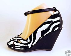 Black-White-Zebra-Look-Wedges-Ankle-Strap-Sz-7-Honey-Bee-Comfortable-Shoes