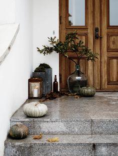 Autumn Entry - By Daniella Witte Outdoor Fun, Outdoor Spaces, Outdoor Living, Modern Interior Design, Interior And Exterior, Feng Shui, Magazine Deco, Urban Rustic, Art Moderne