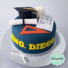 Torta Graduación de Ingenieros College Graduation Cakes, Graduation Desserts, Graduation Party Planning, Engineering Cake, Architecture Cake, Congratulations Cake, Construction Theme Party, Pizza Cake, Ballerina Cakes